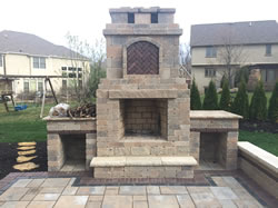The paver patio wiith fire pit